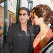 13aug CE Feltham21 185x185 Shah Rukh Khan and Deepika Padukone meet fans at Cineworld Feltham Exclusive Report