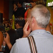 13aug CE Feltham26 185x185 Shah Rukh Khan and Deepika Padukone meet fans at Cineworld Feltham Exclusive Report