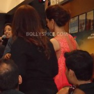 13aug CE Feltham31 185x185 Shah Rukh Khan and Deepika Padukone meet fans at Cineworld Feltham Exclusive Report