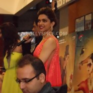 13aug CE Feltham35 185x185 Shah Rukh Khan and Deepika Padukone meet fans at Cineworld Feltham Exclusive Report
