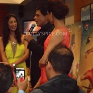 13aug CE Feltham36 185x185 Shah Rukh Khan and Deepika Padukone meet fans at Cineworld Feltham Exclusive Report