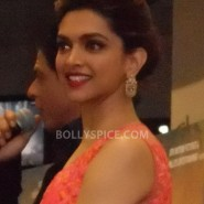 13aug CE Feltham46 185x185 Shah Rukh Khan and Deepika Padukone meet fans at Cineworld Feltham Exclusive Report