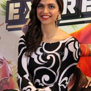 13aug CEintrvw Deepika SRK07 185x185 Riding the Chennai Express with Shah Rukh Khan and Deepika Padukone in London!