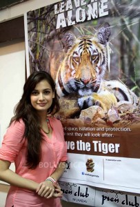 13aug Dia SaveTheTigers 203x300 Dia Mirza lends her support to 'Leave Me Alone'  Save the Tigers