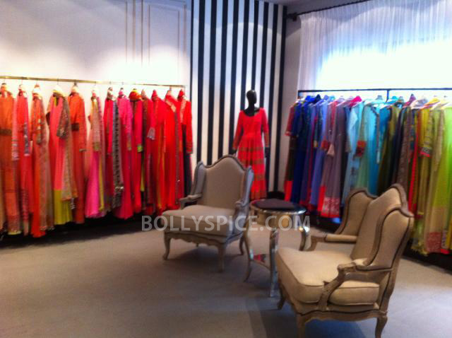 13aug ManishMalhotra03 Manish Malhotra launches his diffusion store in Mumbai