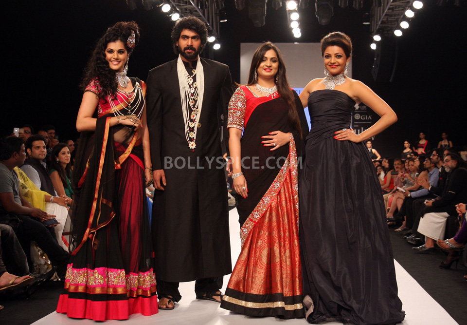 13aug MoniAgarwalIIGW02 Moni Agarwal takes Kajal, Rana and Taapsee on the voyage of Satlada at IIJW 2013
