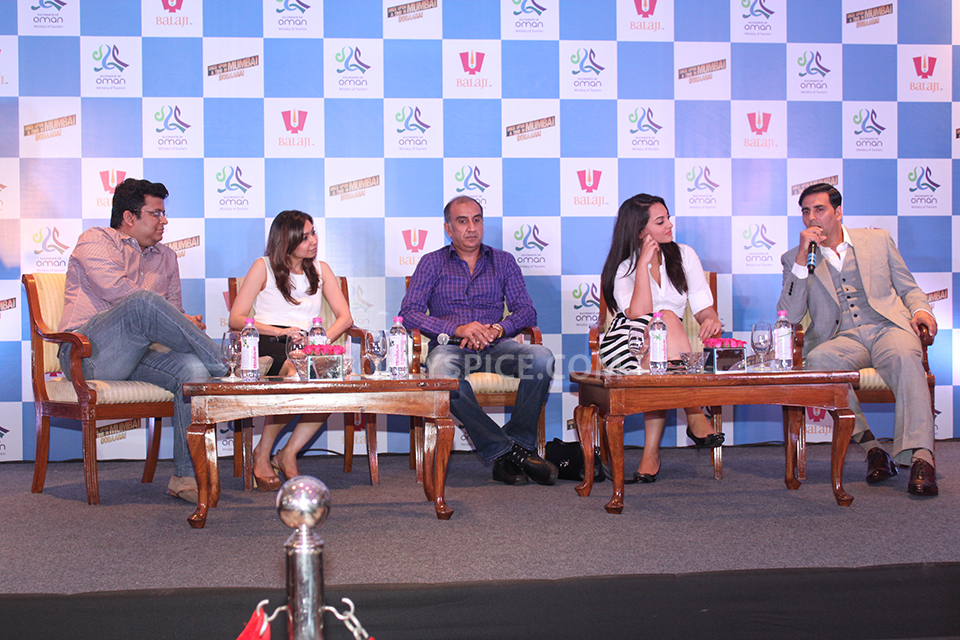 13aug OUATIMD OmanPressCon01 In Pictures: Akshay, Imran & Sonakshi at the Once Upon A Time in Mumbai Dobaara Oman Tourism Press Conference