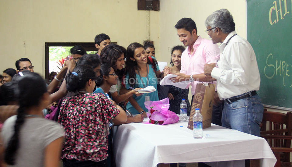 13aug Shreyas RuparelCollege02 Shreyas' Rendezvous With the Youth of D.G. Ruparel College