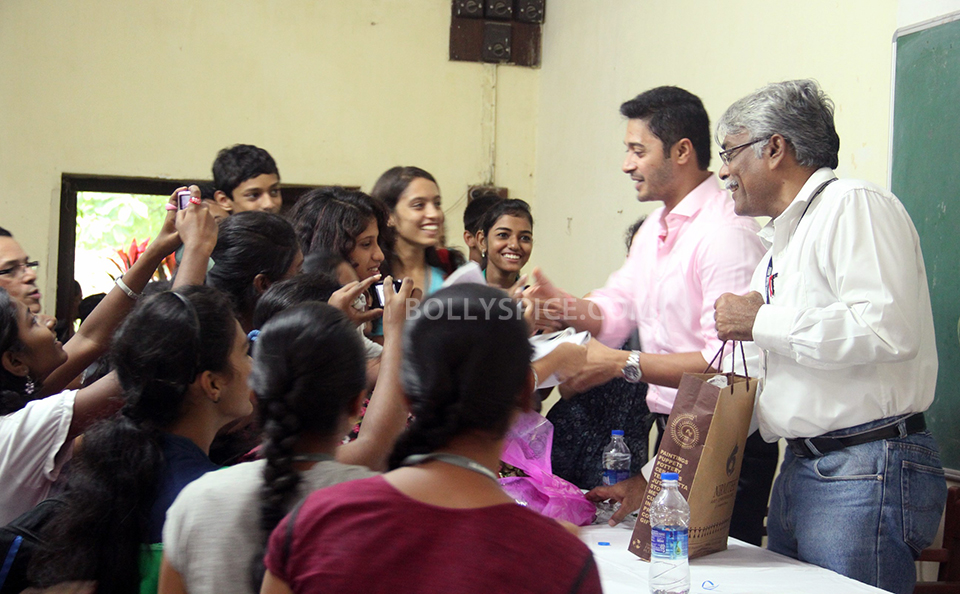 13aug Shreyas RuparelCollege03 Shreyas' Rendezvous With the Youth of D.G. Ruparel College