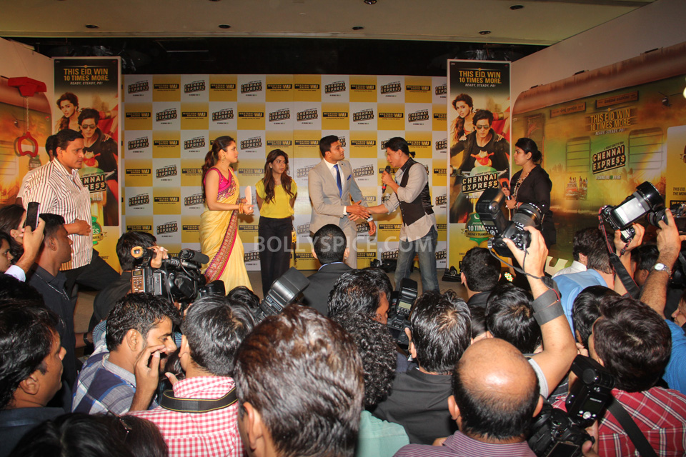 13aug_WesternUnion-ChennaiExpress11