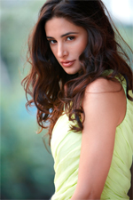 13aug nargisfb Nargis Fakhri, now on Facebook!