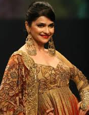 13aug prachidesai Prachi Desai to honor the Bollywood Fashion Show in Norway