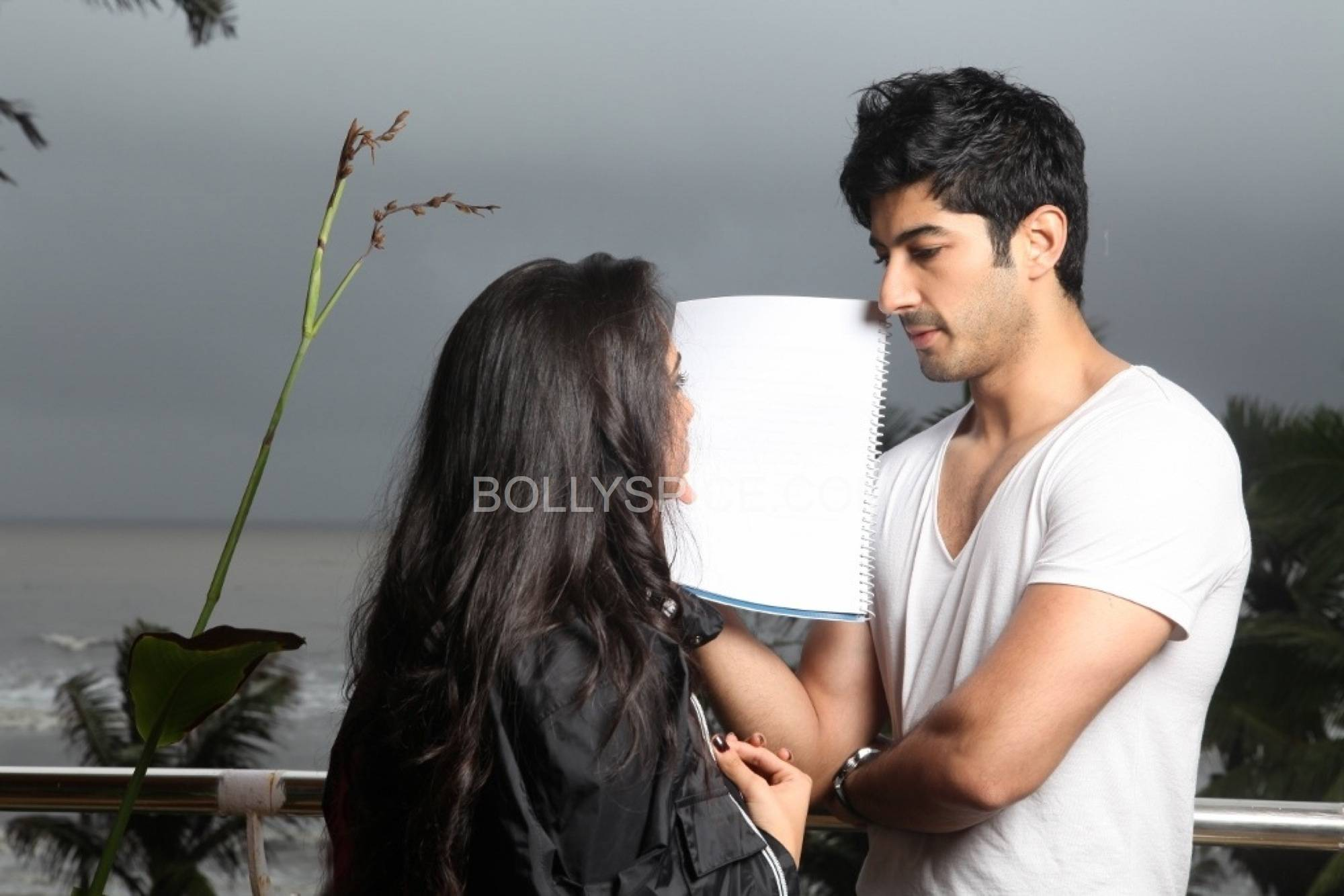 Mohit Marwah with mystery girl Whos That Girl with Mohit Marwah in Fugly?