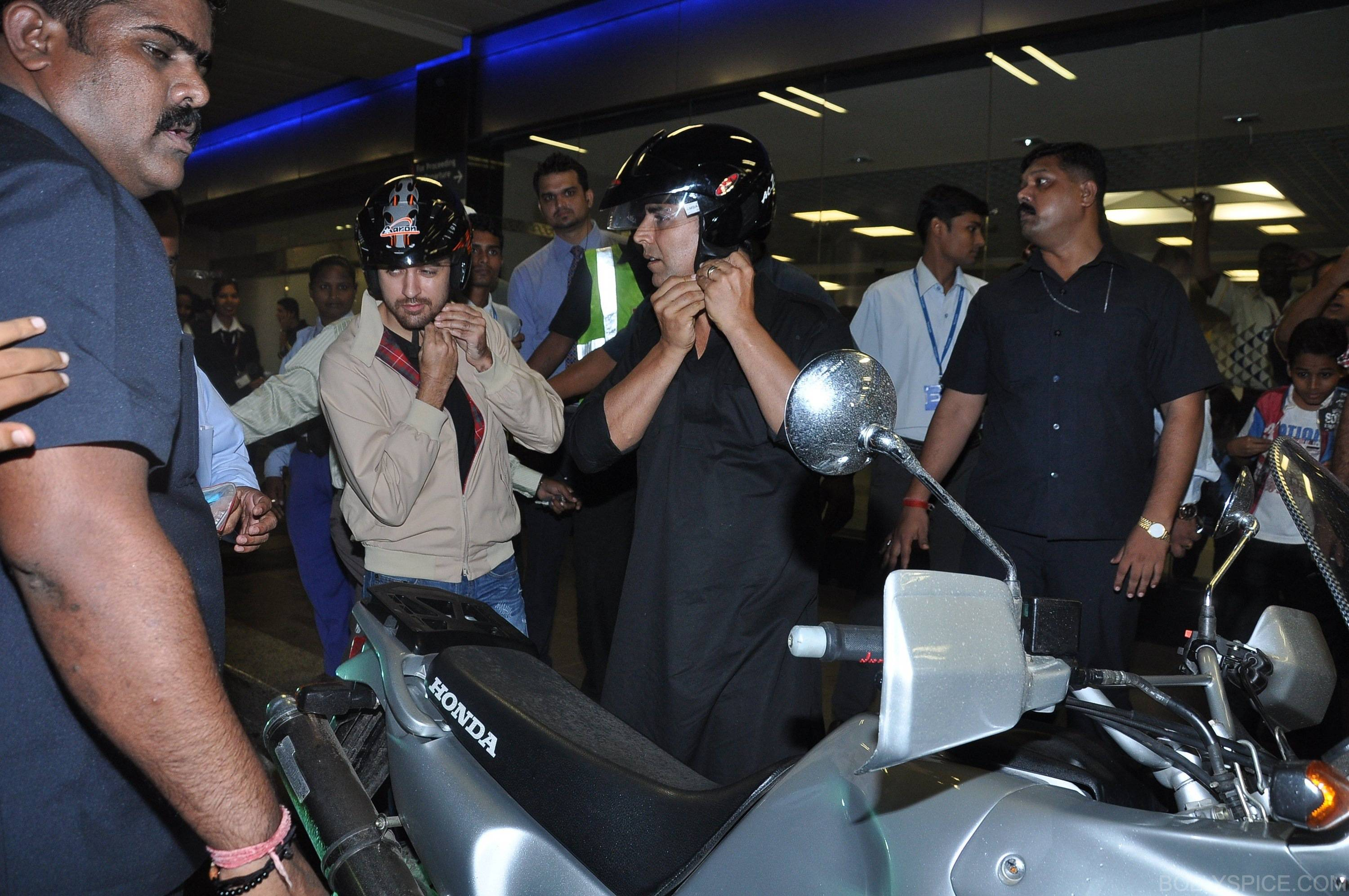 ak ik bike11 In Pictures: Akshay and Imran Ride Motorcycle to a OUATIMD Screening