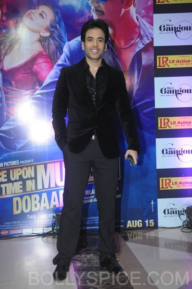 ouatimdiftaarparty08 e1376089928259 IN PICTURES: Celebs at the Once Upon A Time in Mumbai Dobaara Iftaar Party