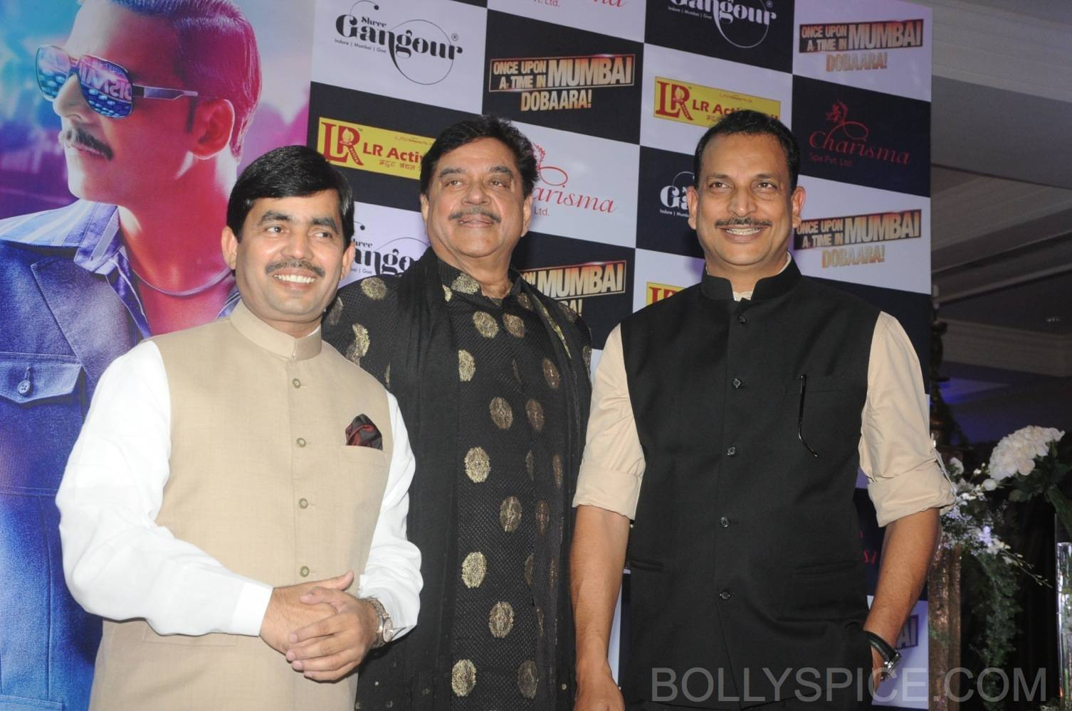ouatimdiftaarparty14 IN PICTURES: Celebs at the Once Upon A Time in Mumbai Dobaara Iftaar Party