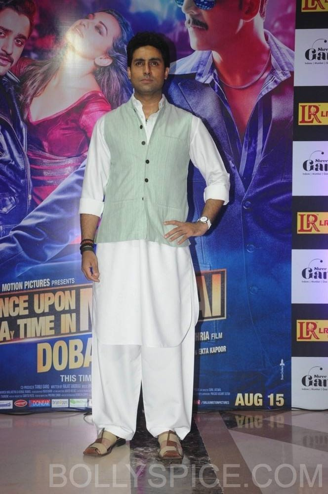 ouatimdiftaarparty33 e1376088403491 IN PICTURES: Celebs at the Once Upon A Time in Mumbai Dobaara Iftaar Party