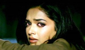 13sep Deepika Cry RamLeela 300x176 Deepika Padukone gets emotional as filming for Ram Leela draws to a close