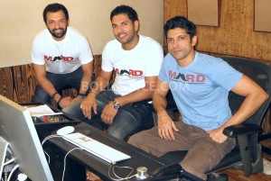 13sep MARD Farhan Atul Yuvraj 300x201 Yuvraj Singh joins hands with Farhan Akhtar and Atul Kasbekar for a social cause 'MARD'
