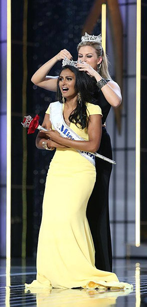 14sep miss america 2014 01 Miss America 2014 Nina Davuluri Ignores the Racism and Celebrates Diversity