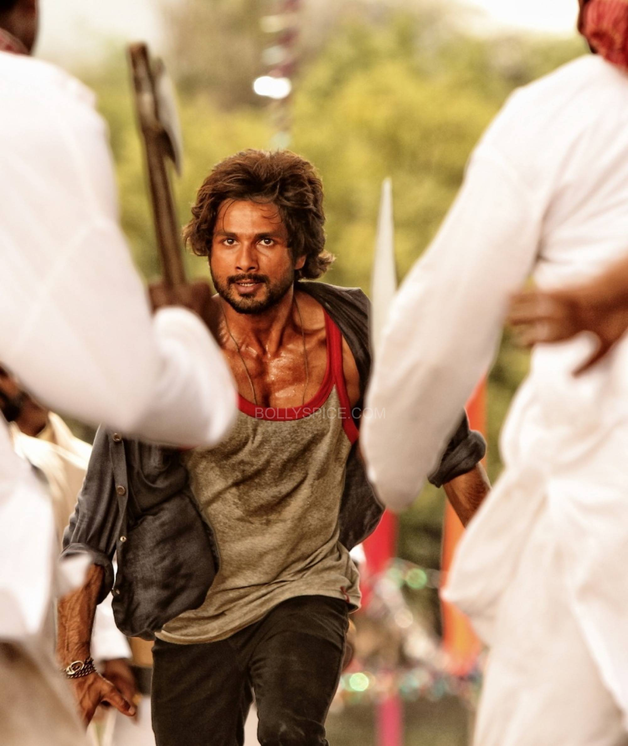 First Look  R... Rajkumar First Look: Shahid in R.... Rajkumar