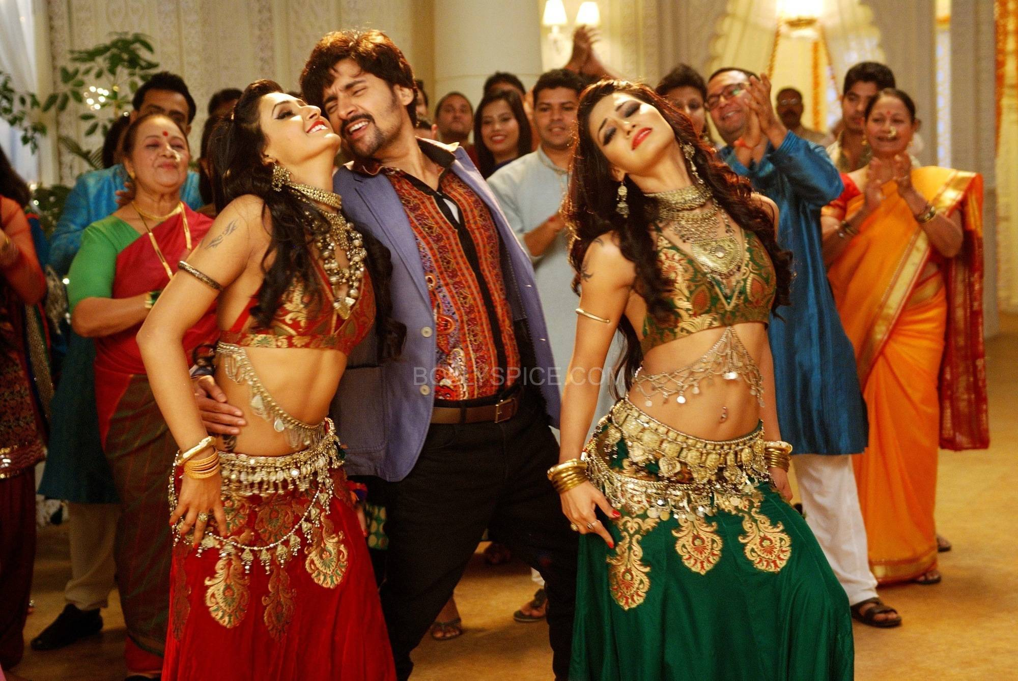 "Kaanchi 2 Behind the scenes of ""Kaambal Ke Neeche"" from Kaanchi"