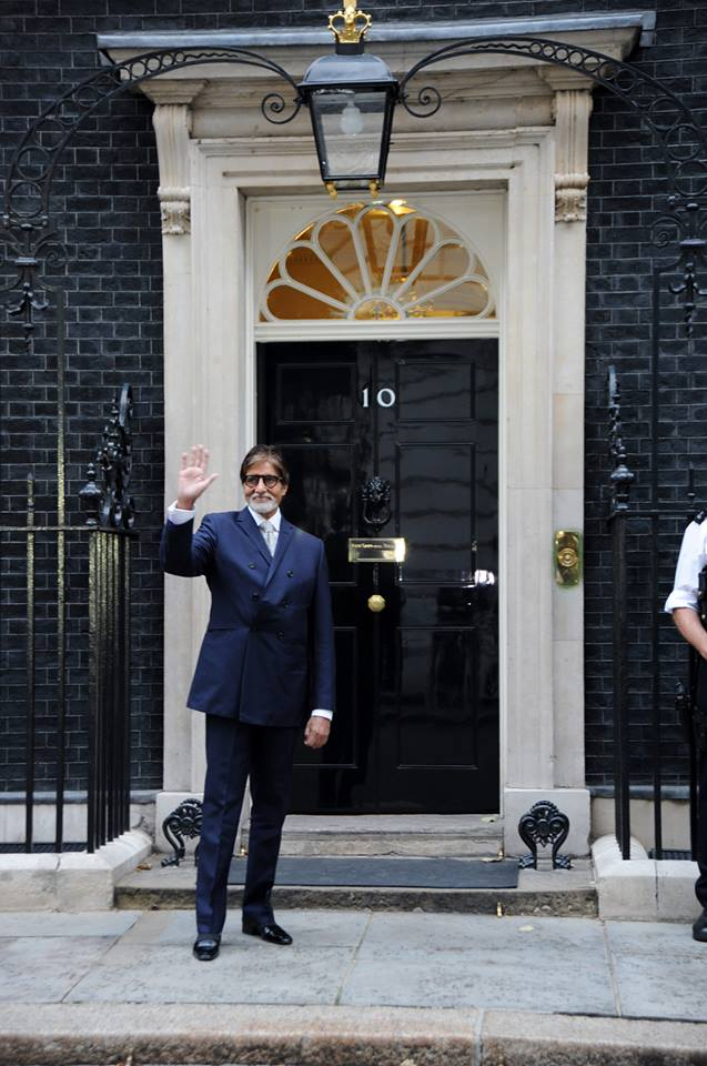 amitabhbachcanglobaldiversity01 Amitabh Bachchan honoured with 2013 Global Diversity Award in London