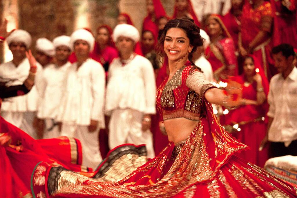 First Stills: Ranveer and Deepika in RamLeela!