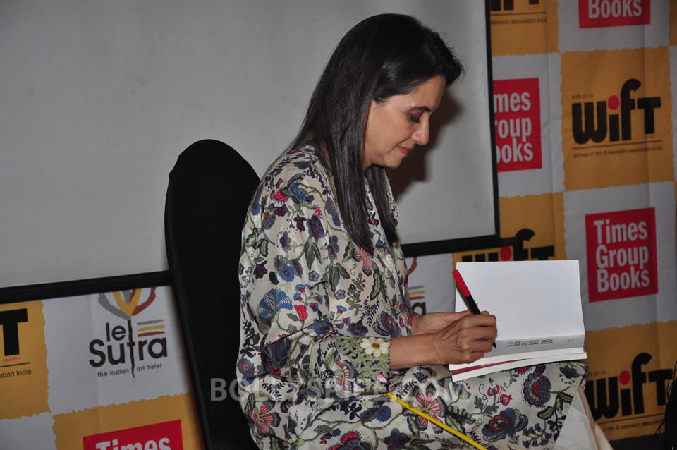 13oct Anupama ZoyaBook01 Anupama Chopra in conversation with Zoya Akhtar for her book launch