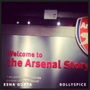 13oct EshaGupta Arsenal09 185x185 Esha Gupta enjoys London and turns photographer for a day!