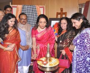 13oct HemaMalini SarvamShashvatam01 300x243 Hema Malini inaugurates Art and Couture exhibition Sarvam Shashvatam