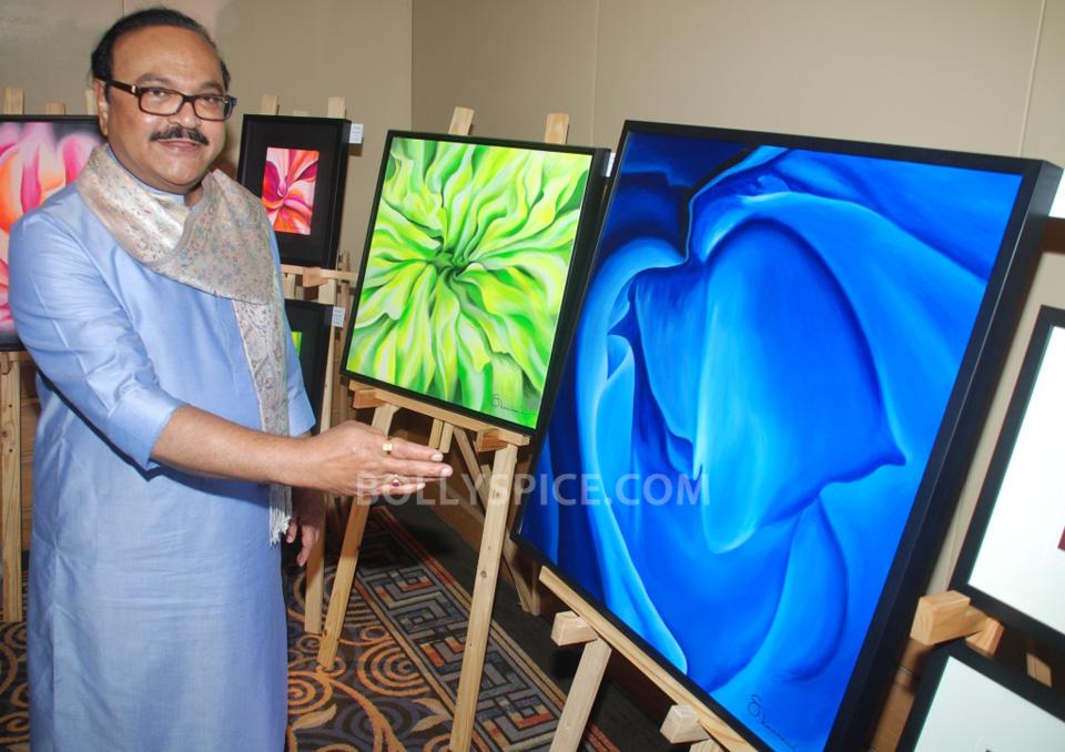 13oct HemaMalini SarvamShashvatam02 Hema Malini inaugurates Art and Couture exhibition Sarvam Shashvatam