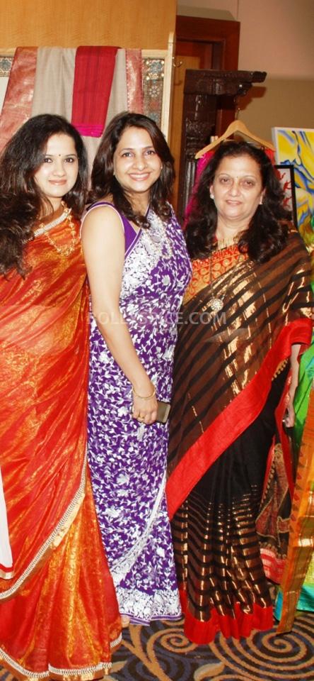 13oct HemaMalini SarvamShashvatam09 Hema Malini inaugurates Art and Couture exhibition Sarvam Shashvatam