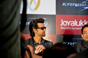 13oct Hrithik JoyAlukkas Krrish02 300x199 Hrithik Roshan Talks All Things Krrish at the Joy Alukkas Launch in Ahmedabad