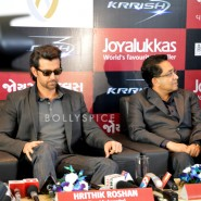 13oct Hrithik JoyAlukkas Krrish04 185x185 IN PICTURES: Hrithik Roshan promoting with Joyalukkas Krrish 3 in Ahmedabad, Gujarat