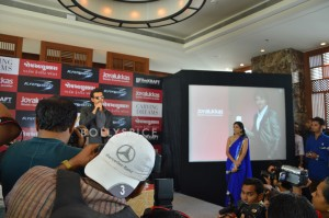 13oct Hrithik JoyAlukkas Krrish08 300x199 Hrithik Roshan Talks All Things Krrish at the Joy Alukkas Launch in Ahmedabad