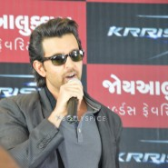 13oct Hrithik JoyAlukkas Krrish13 185x185 IN PICTURES: Hrithik Roshan promoting with Joyalukkas Krrish 3 in Ahmedabad, Gujarat