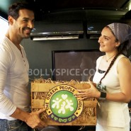 13oct John GreenPeople04 185x185 John Abraham supports The GREEN PEOPLE of India!