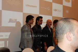 13oct Krrish3DubaiPressConf08 300x200 Krrish 3 team rocks Dubai!