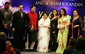 13oct LataMangeshkar YashChopraAward 300x192 Lata Mangeshkar honoured with the first ever Yash Chopra Memorial Award