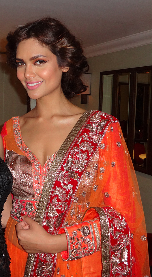 13oct Manish Bipasha Esha04 Manish Malhotra celebrated 100 years of Indian Cinema at the ARTiculate Pratham Ball 2013