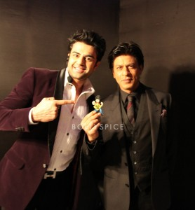 13oct ManishPaul Shahrukh 278x300 Shahrukh Khan christens 'Mickey Virus' sequel 'Bittoo Bacteria'