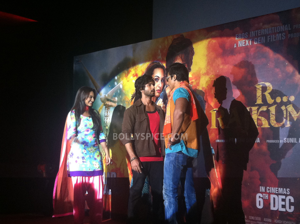 13oct RRajkumarLaunch02 First trailer of R...Rajkumar launched
