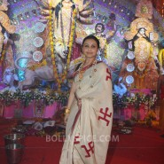 13oct Rani Bhog01 185x185 IN PICTURES: Rani Mukerji and Kajol serves bhog at North Bombay Sarbojanin Durga Puja