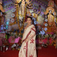 13oct Rani Bhog05 185x185 IN PICTURES: Rani Mukerji and Kajol serves bhog at North Bombay Sarbojanin Durga Puja