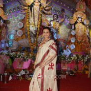 13oct Rani Bhog06 185x185 IN PICTURES: Rani Mukerji and Kajol serves bhog at North Bombay Sarbojanin Durga Puja