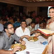 13oct Rani Bhog10 185x185 IN PICTURES: Rani Mukerji and Kajol serves bhog at North Bombay Sarbojanin Durga Puja