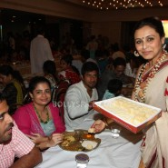 13oct Rani Bhog13 185x185 IN PICTURES: Rani Mukerji and Kajol serves bhog at North Bombay Sarbojanin Durga Puja