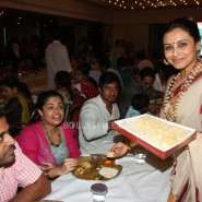 13oct Rani Bhog14 185x185 IN PICTURES: Rani Mukerji and Kajol serves bhog at North Bombay Sarbojanin Durga Puja