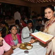13oct Rani Bhog15 185x185 IN PICTURES: Rani Mukerji and Kajol serves bhog at North Bombay Sarbojanin Durga Puja